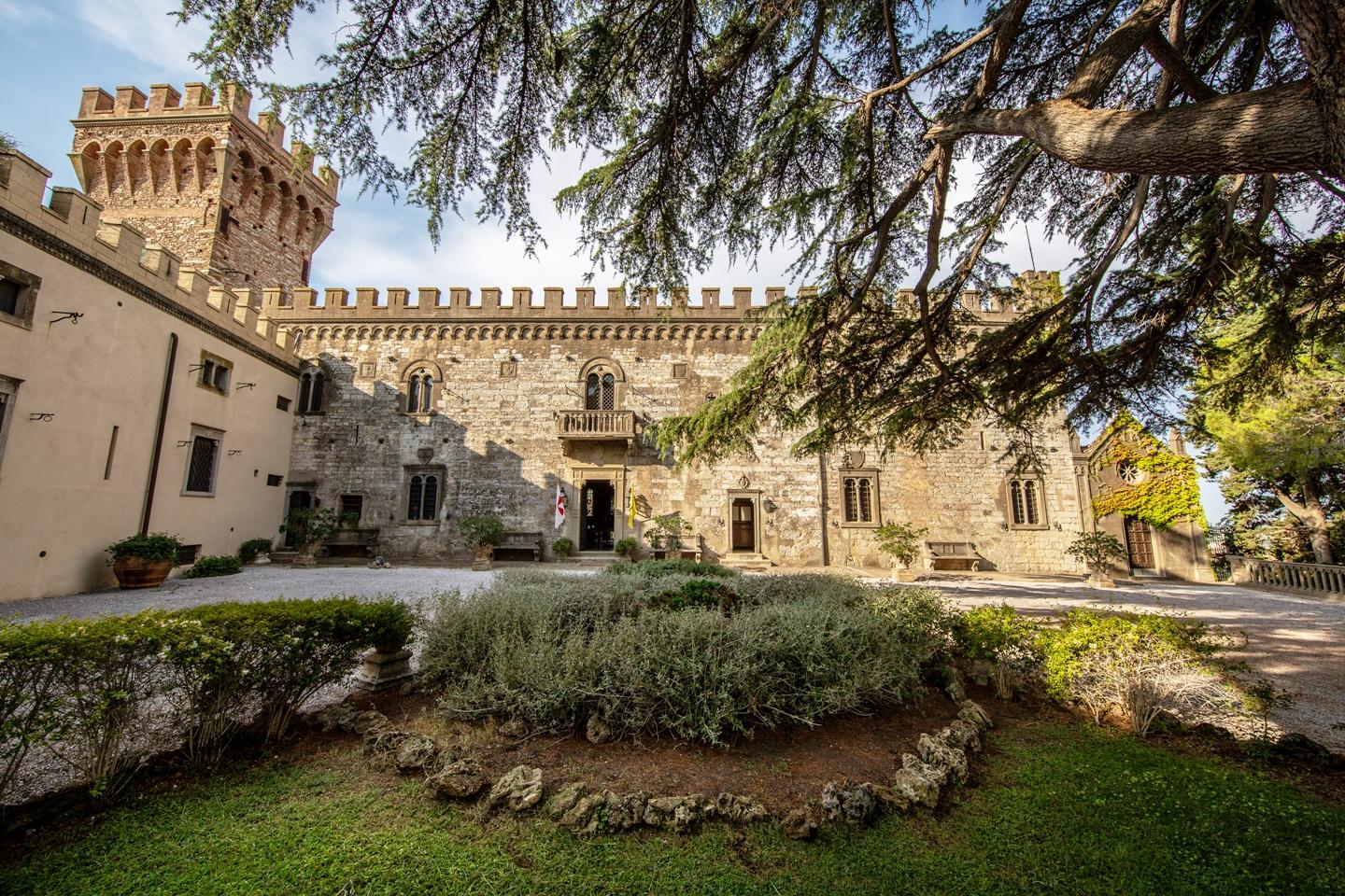 Letto A Castello Toscana.Castello Di Magona Maremma Residenza Di Lusso In Affitto