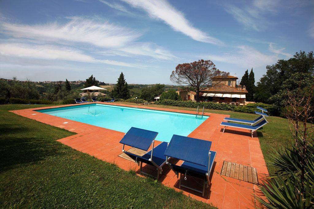 Residenza rondini blu una casa de campo con piscina privada for Casa de campo con piscina privada